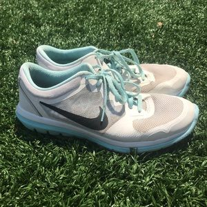 Nike Flex Woman's Running Shoes Sz 7.5